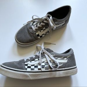 VANS Youth 6.5 Grey Checker Flames Skate Shoes